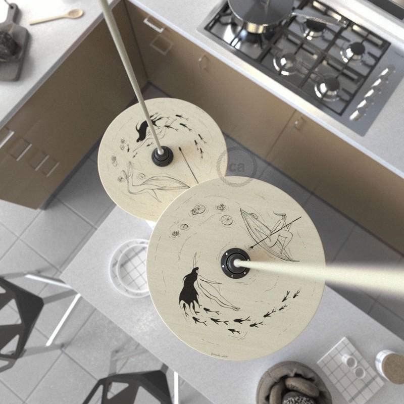 Suspensión UFO con pantalla de madera de doble cara ilustrada por Fernando Cobelo y cable textil Algodón Gris Pardo RC43